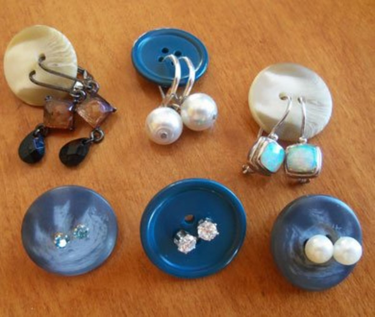 Button Organisers for Earrings | Easy Organization Ideas for the Home