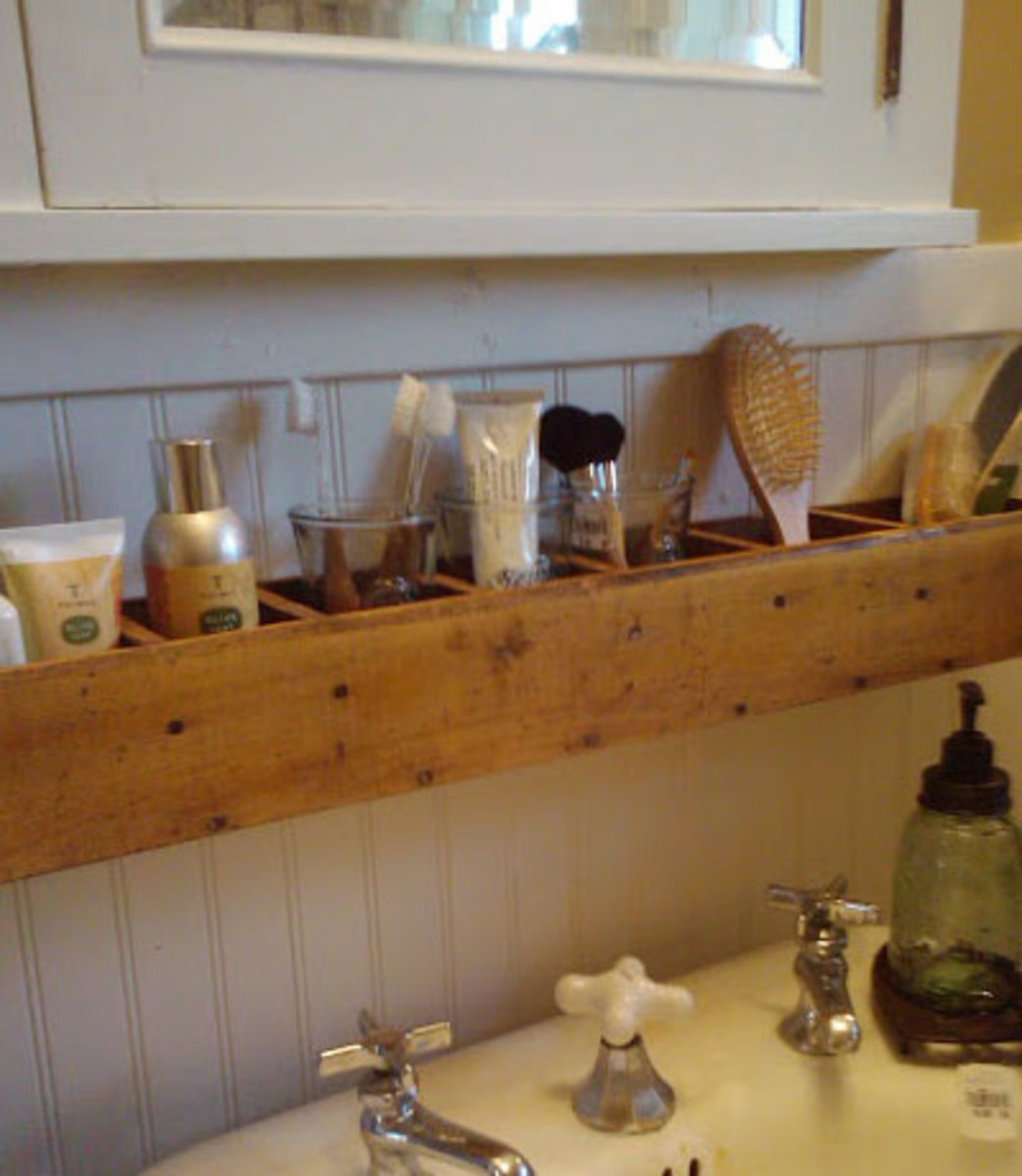 Pallet Wood Bathroom Storage   Easy Organization Ideas for the Home