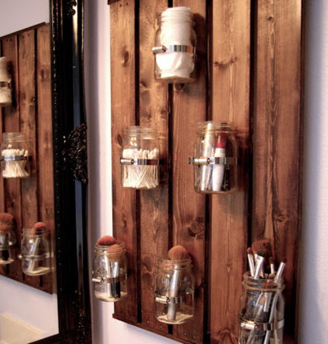 Mason Jar Bathroom Storage   Easy Organization Ideas for the Home