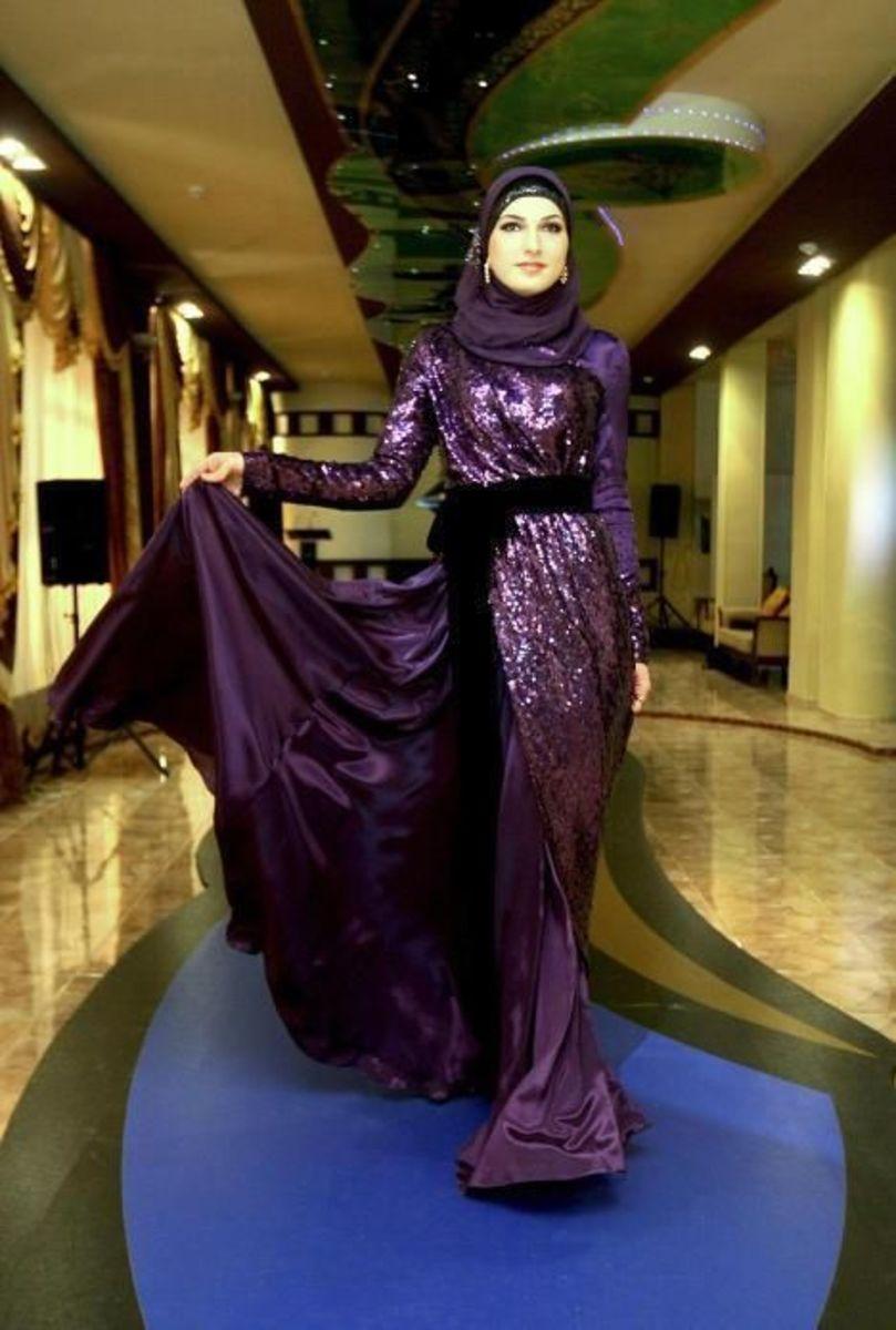 Gorgeous Purple Abaya on the ramp