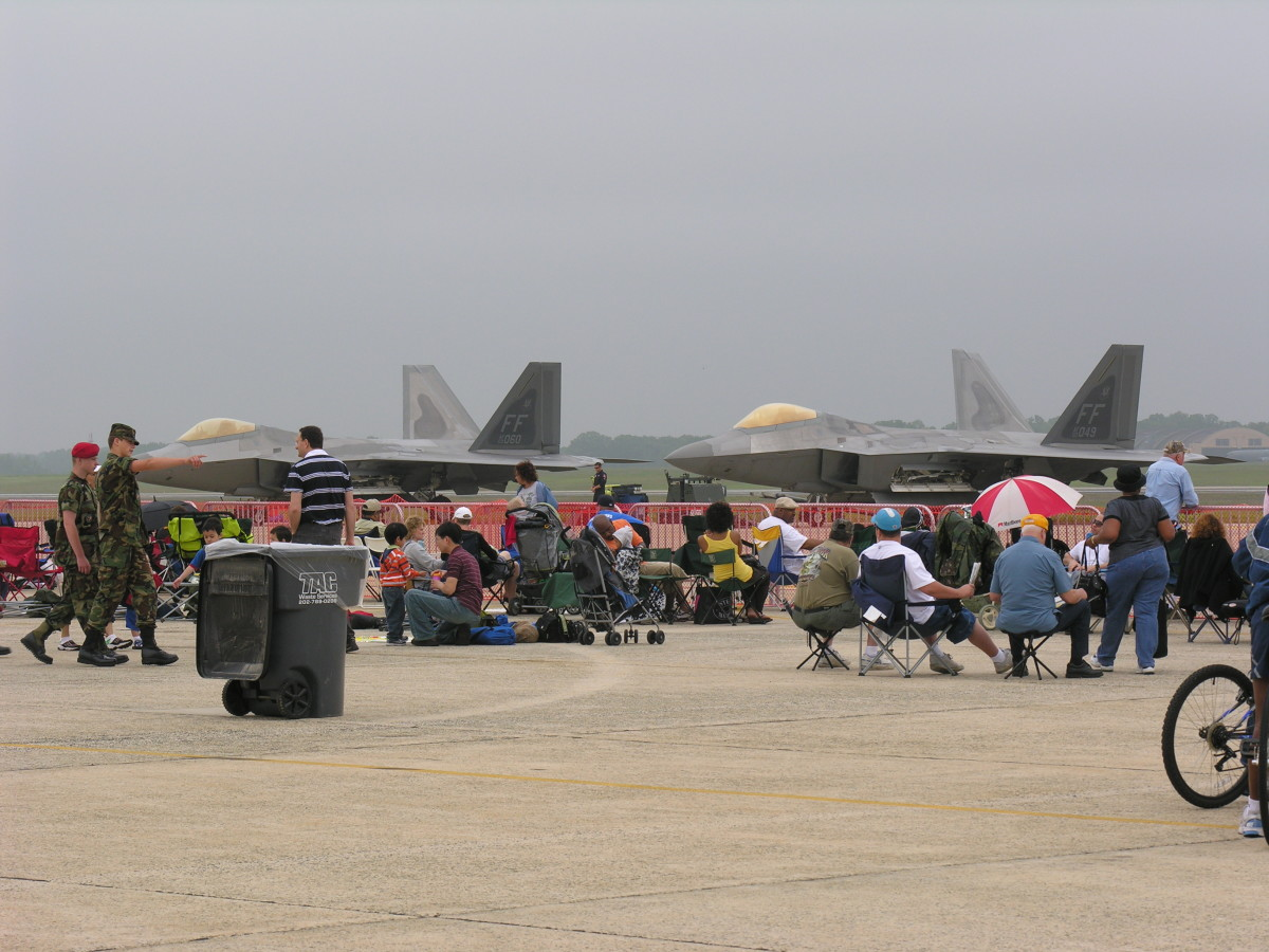 USAF F-22s at the Andrews AFB Open House, 2009.