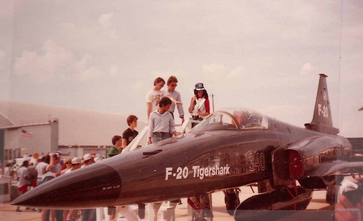 An F-20 Tigershark on static display at the 1985 Andrews AFB, Joint Service Open House.