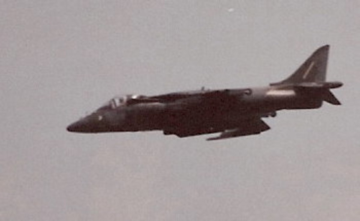 A USMC AV-8 Harrier performing at Andrews AFB.