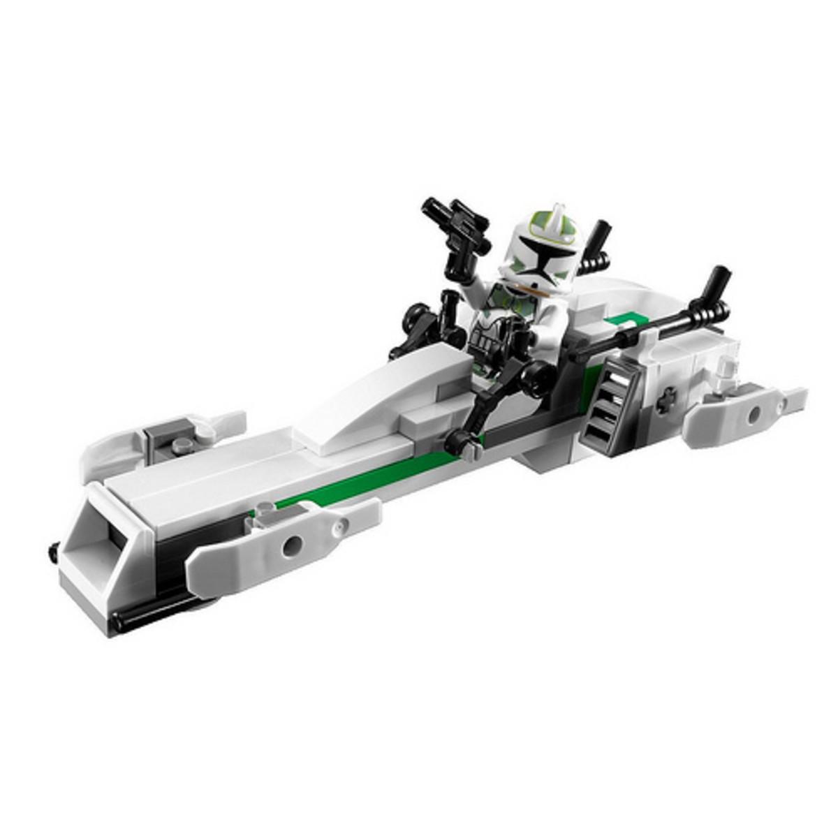 LEGO Star Wars Clone Trooper Battle Pack 7913 Assembled