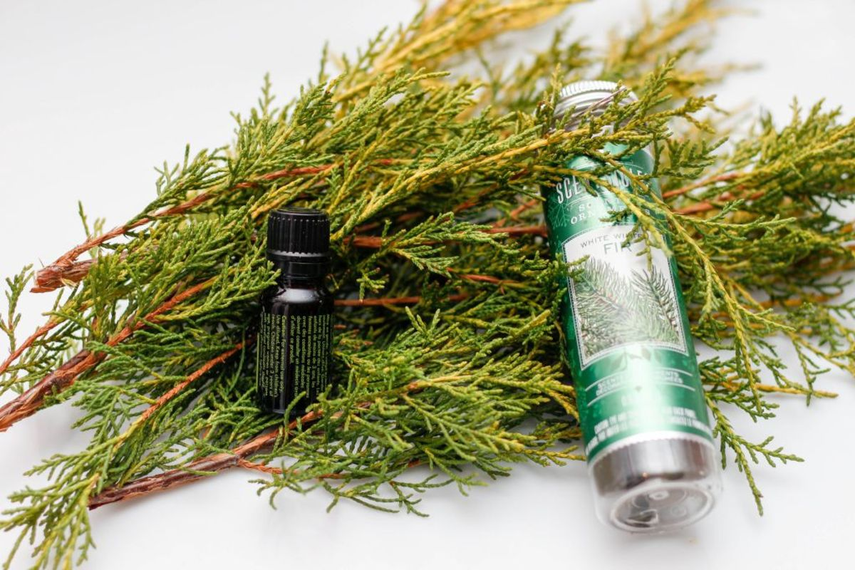 Aromatherapy oils come in many varieties.