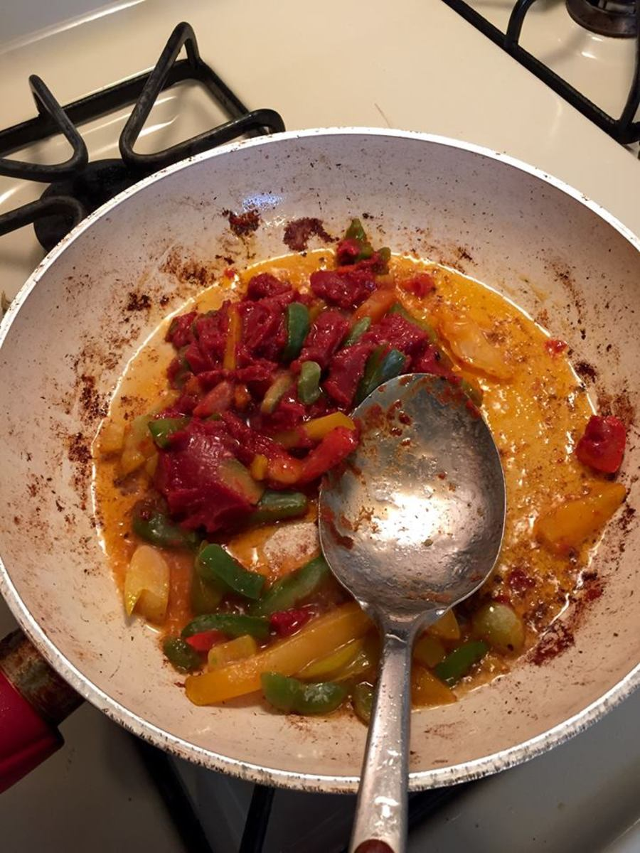 Cooking Peppers & Onions with Tomato Paste