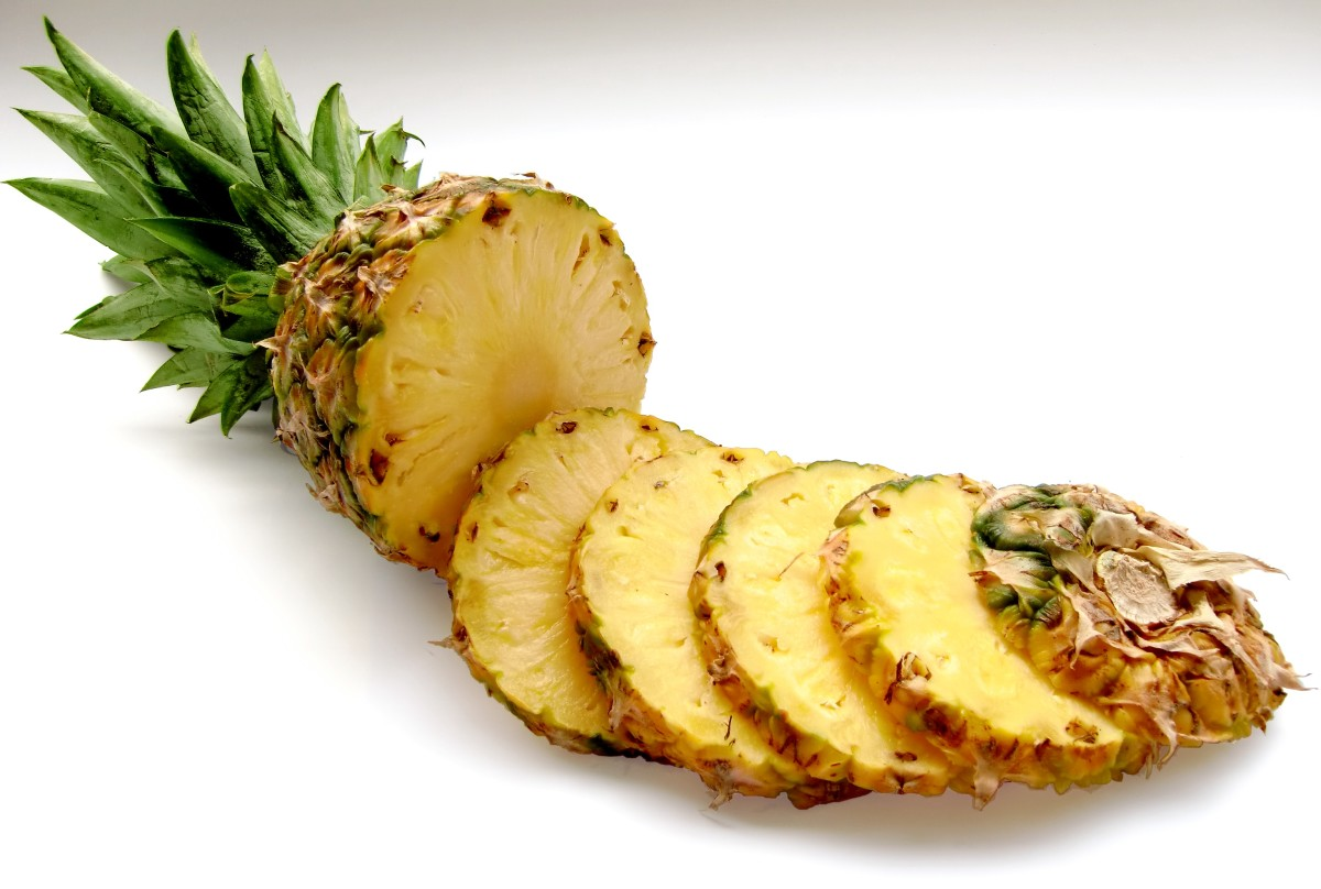 10 Health Benefits Of Fresh Pineapple
