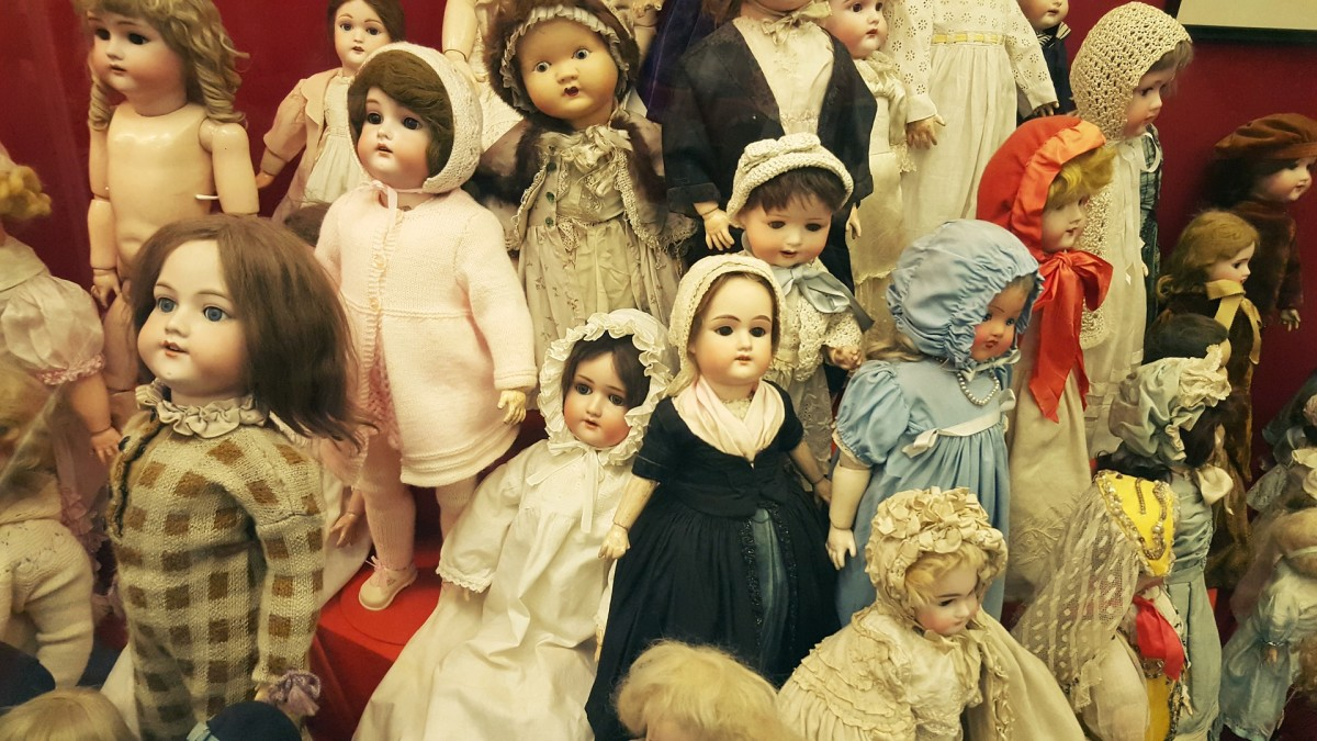 A beautiful collection of vintage type dolls.