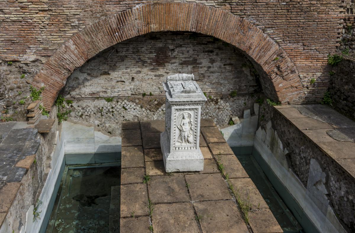 pool of juturna