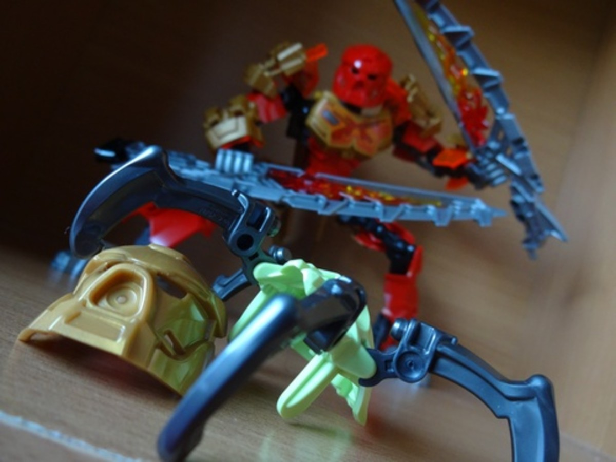 Tahu fights a vicious Skull Spider, a shameless incarnation of 2002's Krana, though Lego wasn't so wise as to give these face-huggers their own Bohrok.