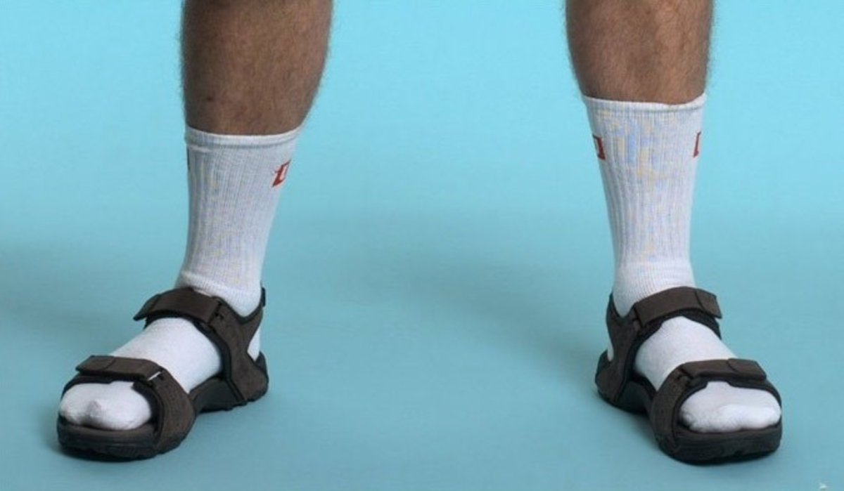 11-things-men-should-never-ever-wear-in-public