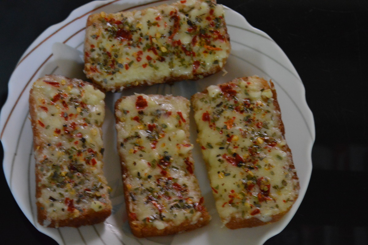 Home Made Cheese Garlic Bread