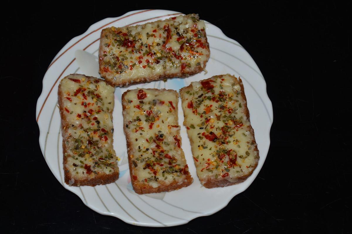 home-made-cheese-garlic-bread