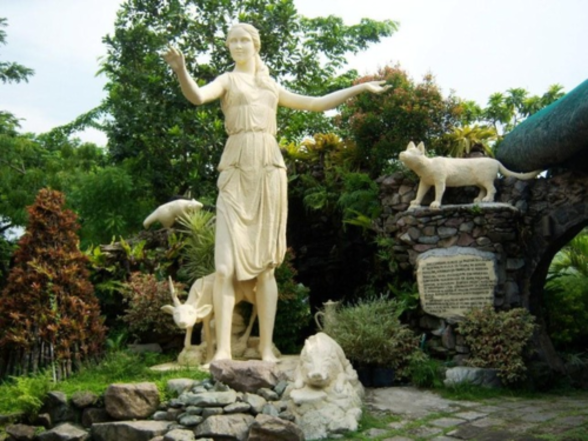 """Mother Nature"" statue (sometimes depicted as Makiling herself) serves as the facade of the Ecosystems Research and Development Bureau in the upper campus."