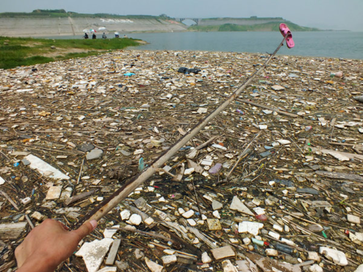 Floating garbage on Yangtze River in the upper reaches of Three Gorges Dam, in Yichang, Central China's Hubei province.