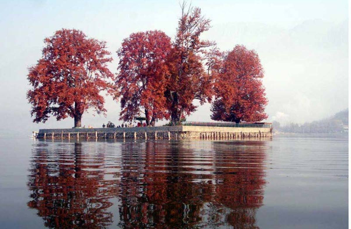 days-in-kashmir-when-it-was-idyll-place