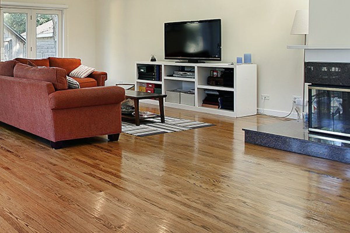 Bamboo wood floors first made its appearance as a modern flooring material in the early 1990s.