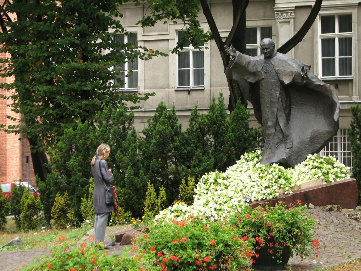 Statue of St. John Paul II © Georgene A. Bramlage