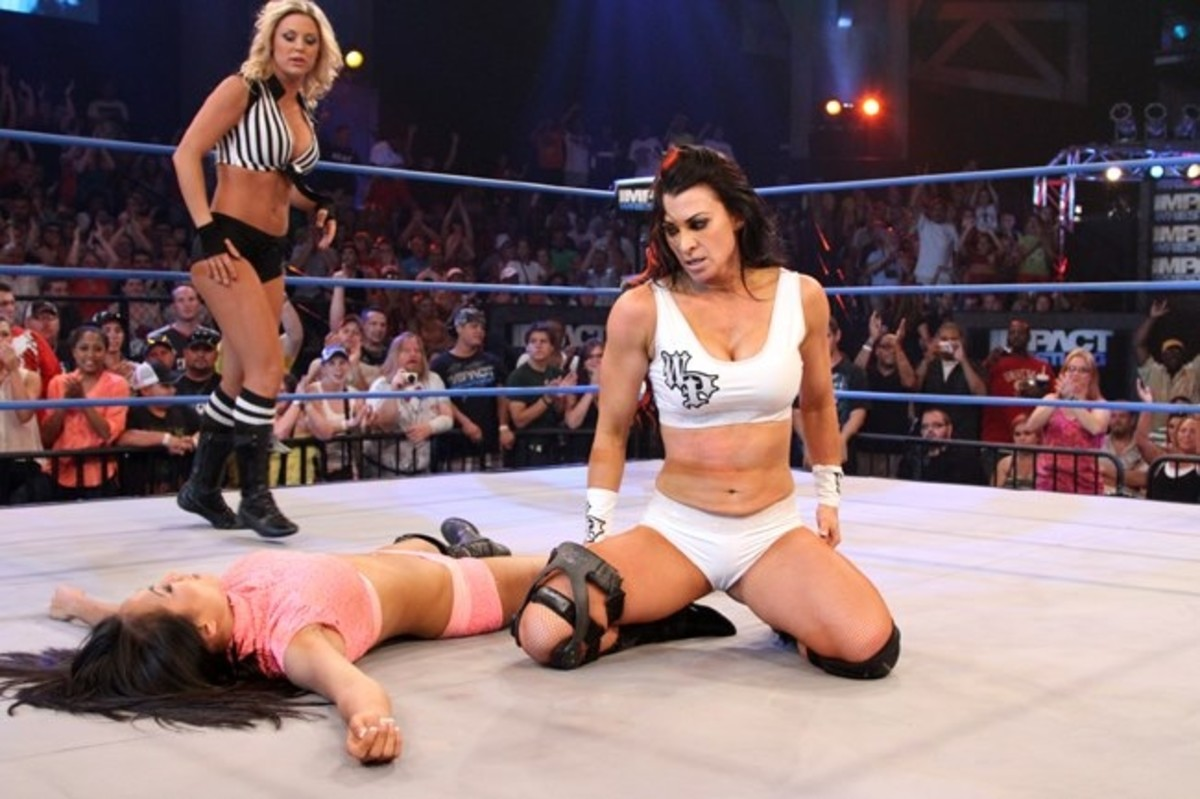 Tara over Gail Kim in TNA