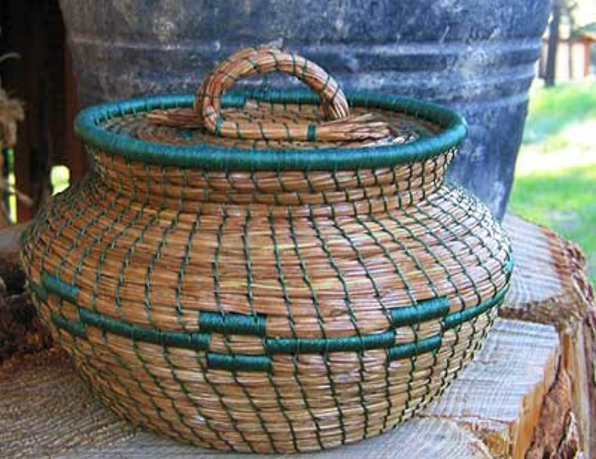 funny-river-trading-pine-needle-basket.jpg