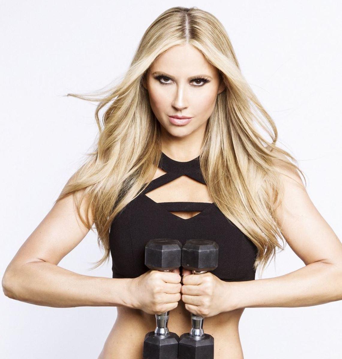 Marzia Prince - Female Fitness Model