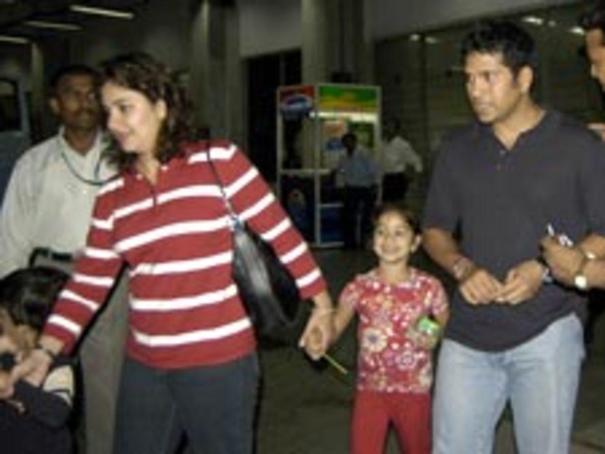 Sachin Tendulkar with family --wife Anjali, daughter Sara, son Arjun