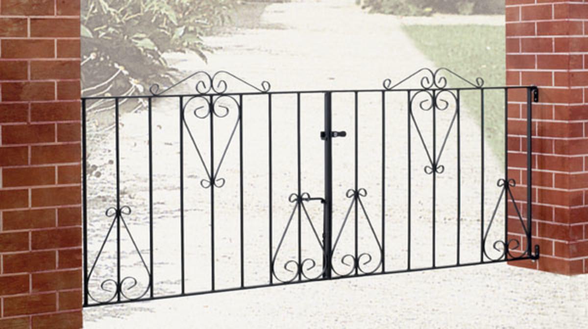 Wrought Iron gates - Iron driveway gates - Classic double gate