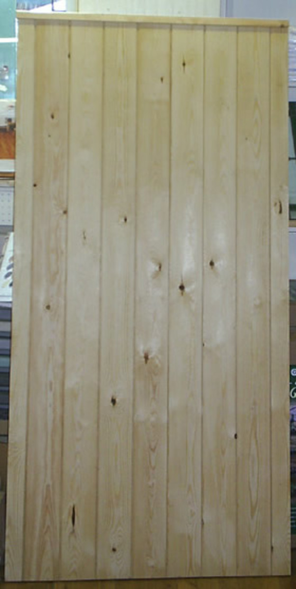 Wooden gates - Tall single side entrance wooden gates - Essex side gate