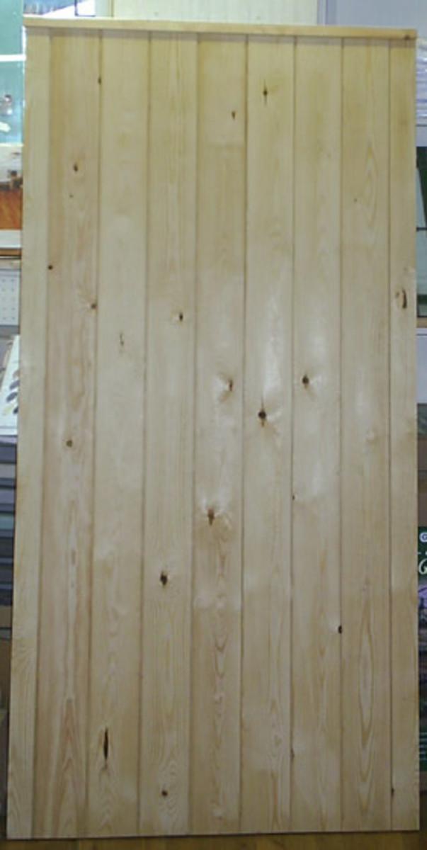 Wooden gates - Tall single side entrance wooden gates - Essex side gate