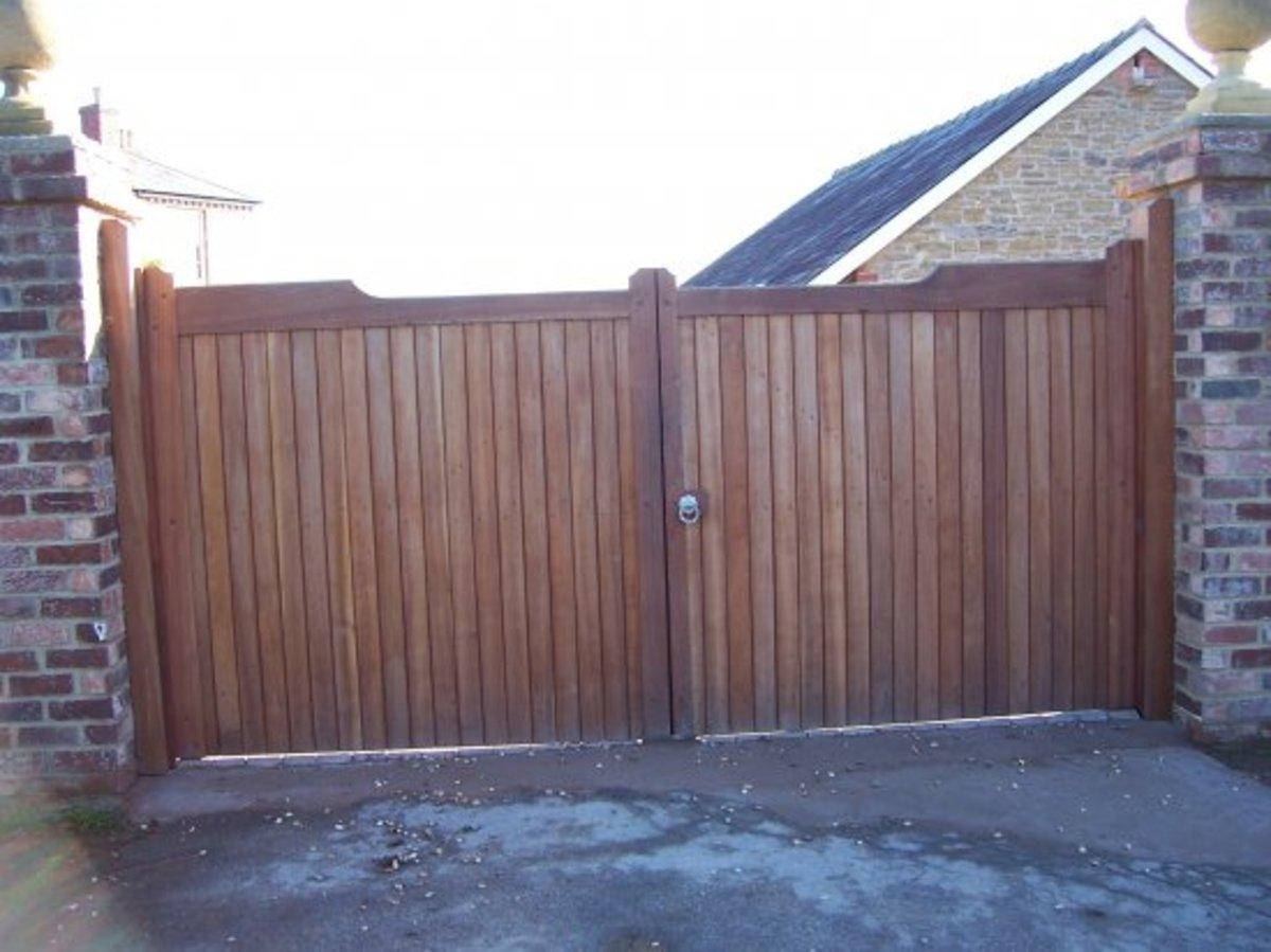 Wooden gates - Wooden driveway gates - Dorchester gate