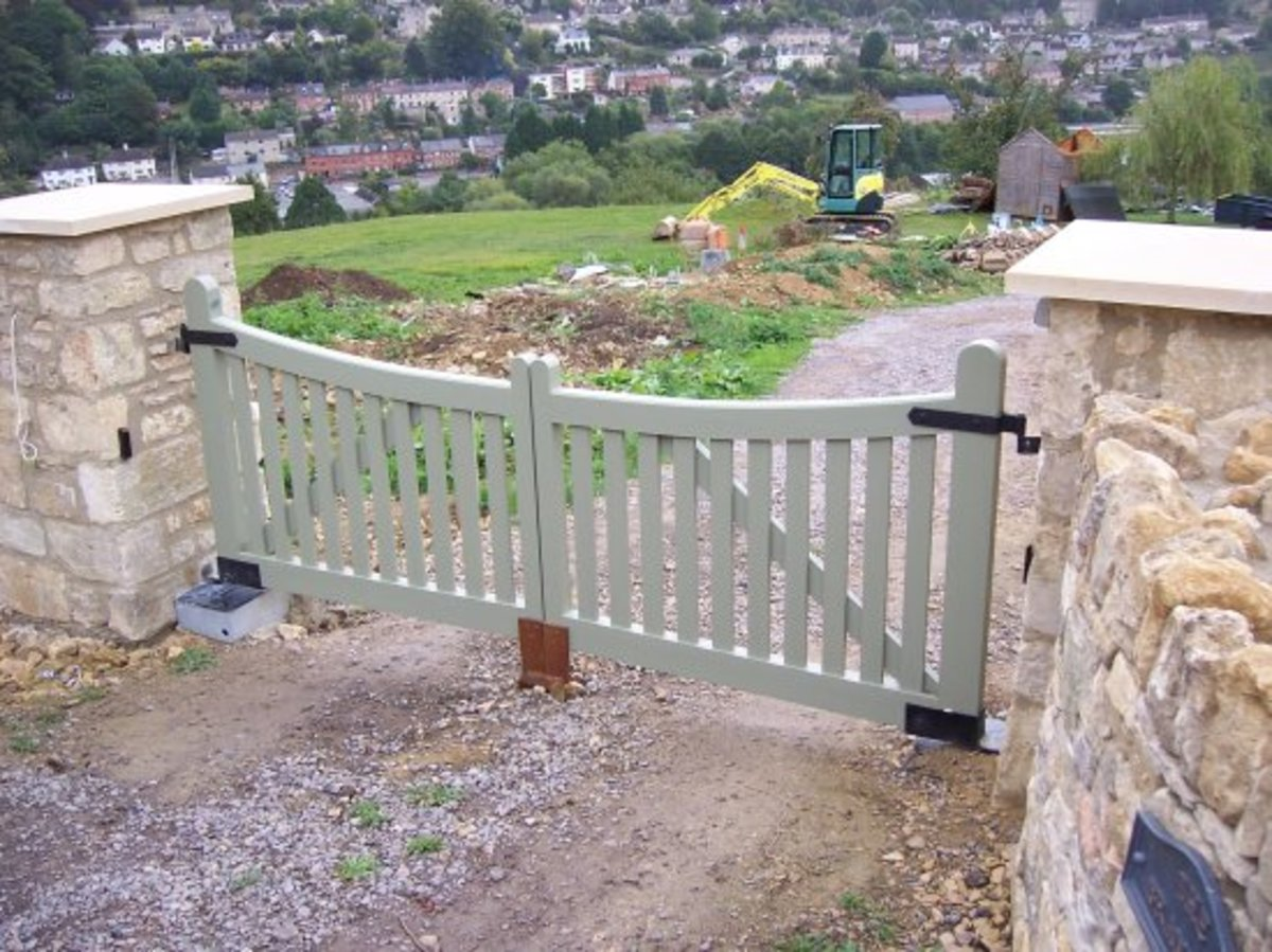 Wooden gates - Wooden driveway gates - Aintree gate