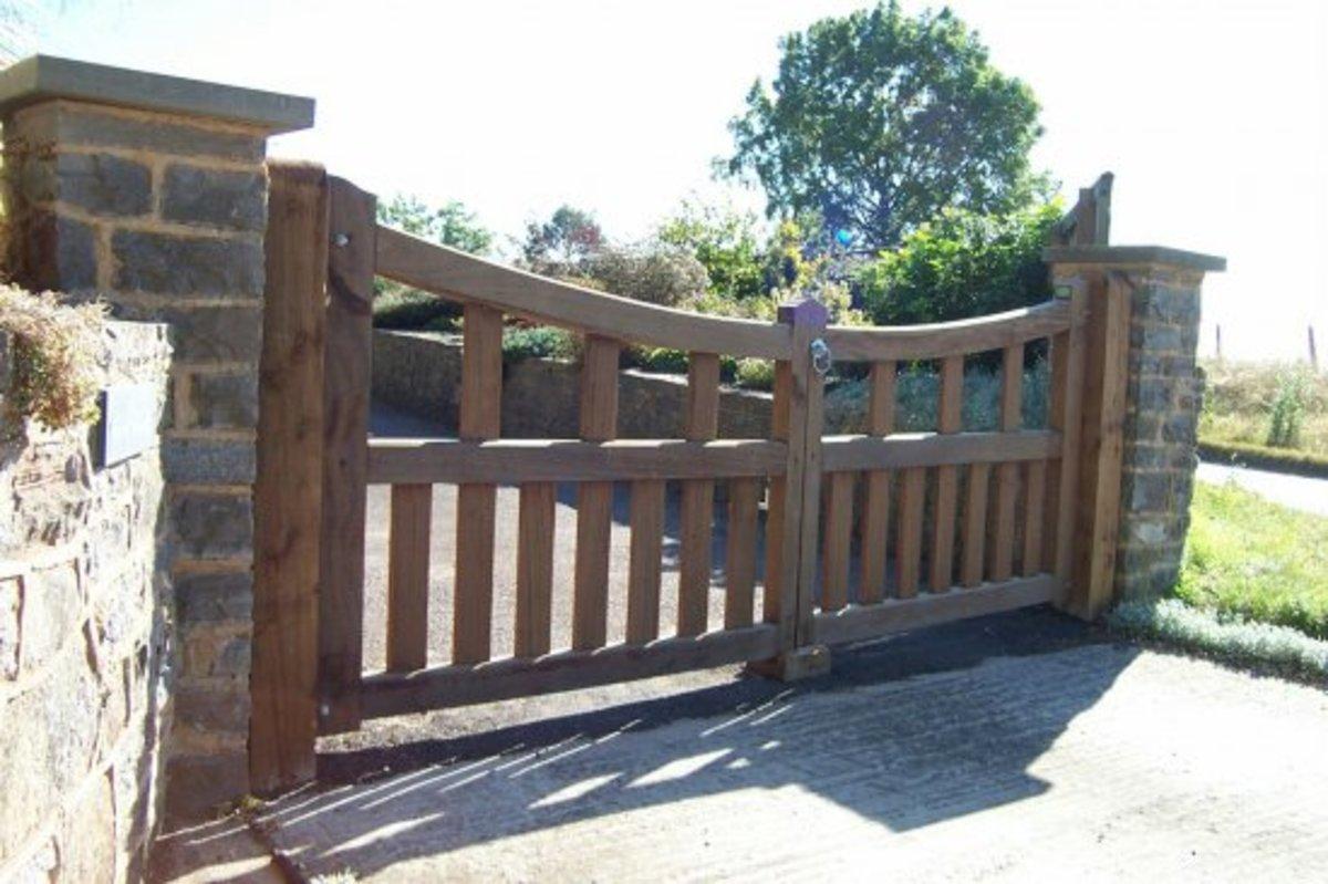 Wooden gates - Wooden driveway gates - Westbury gate