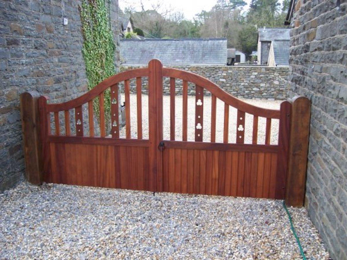 Wooden gates - Wooden driveway gates - Marlborough gate