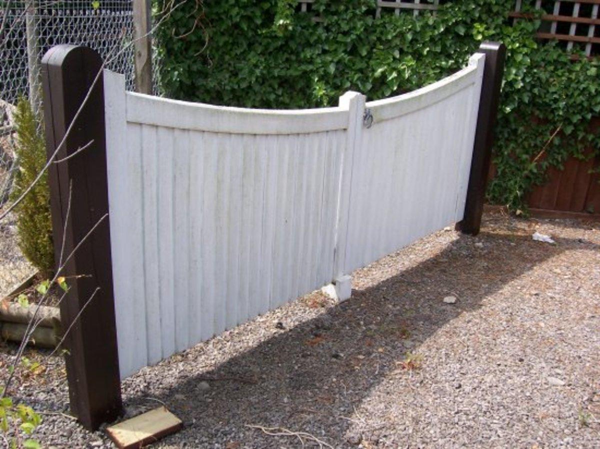 Wooden gates - Wooden driveway gates - Blaisdon gate