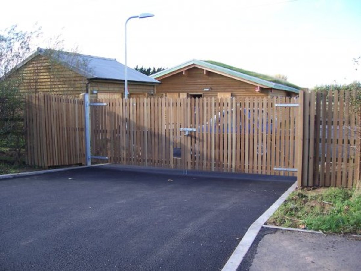 Wooden gates - Wooden driveway gates - Woodman gate