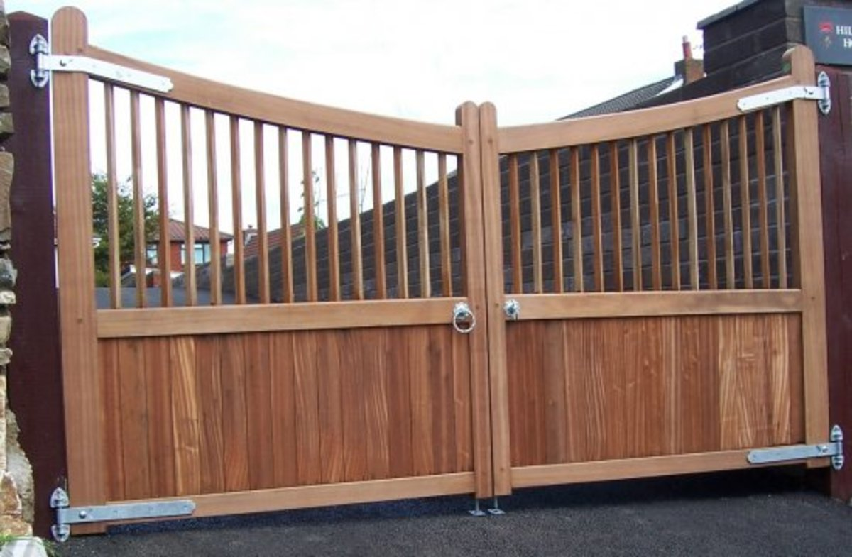 Wooden gates - Wooden driveway gates - Cotswold gate