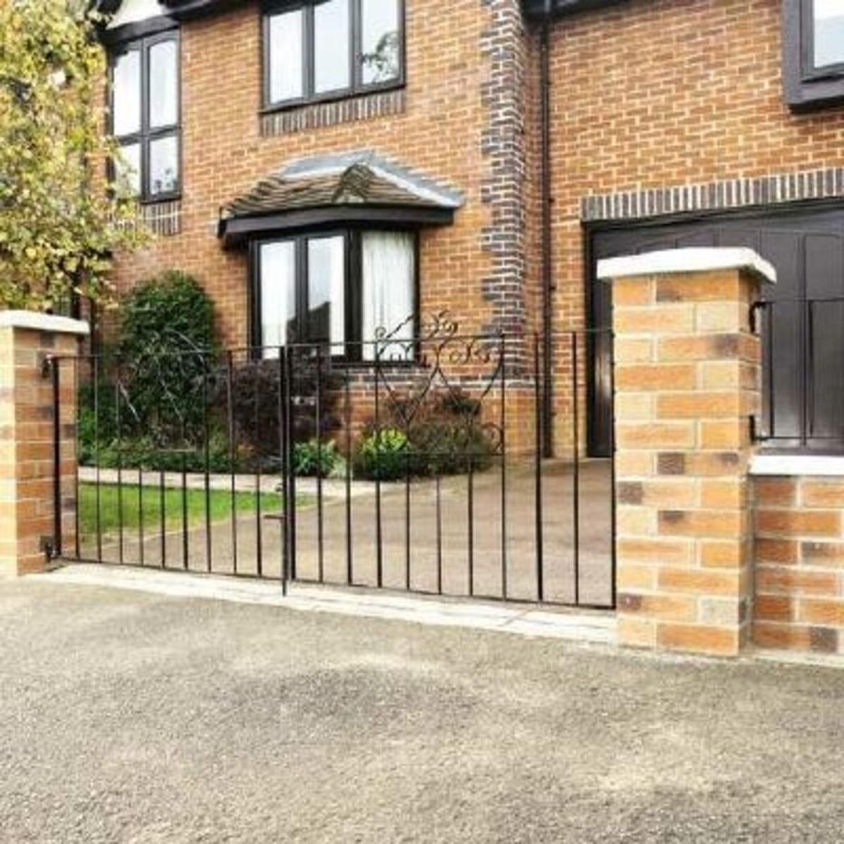 Wrought Iron gates - Iron driveway gates - Chelsea double gate