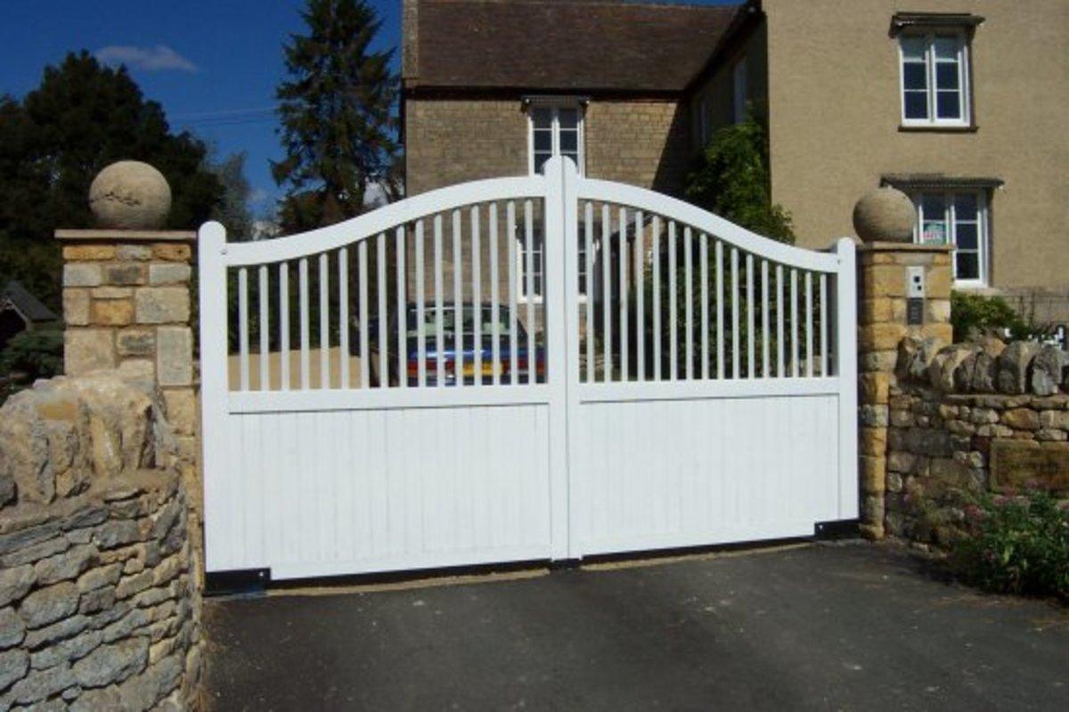 Wooden gates - Wooden driveway gates - Churcham gate