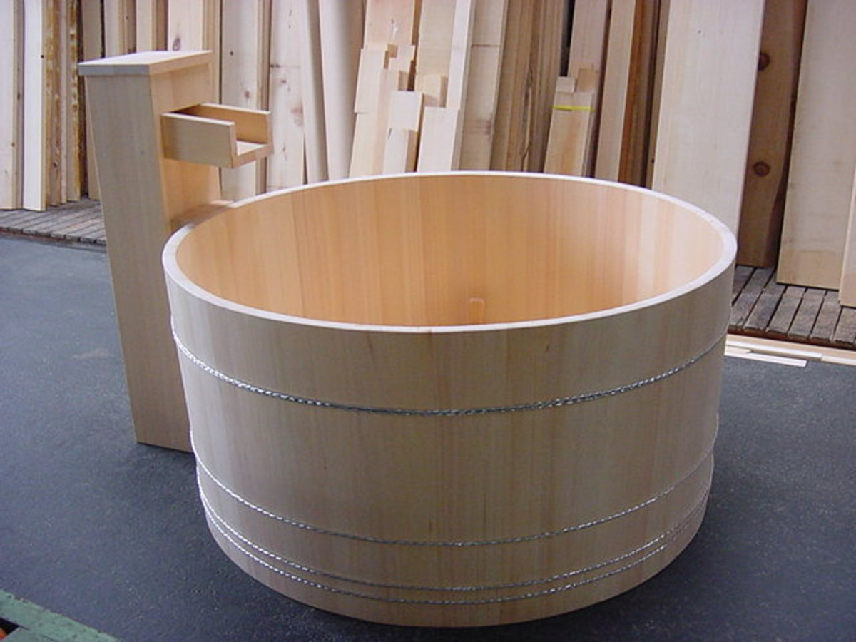 round ofuro in hinoki wood