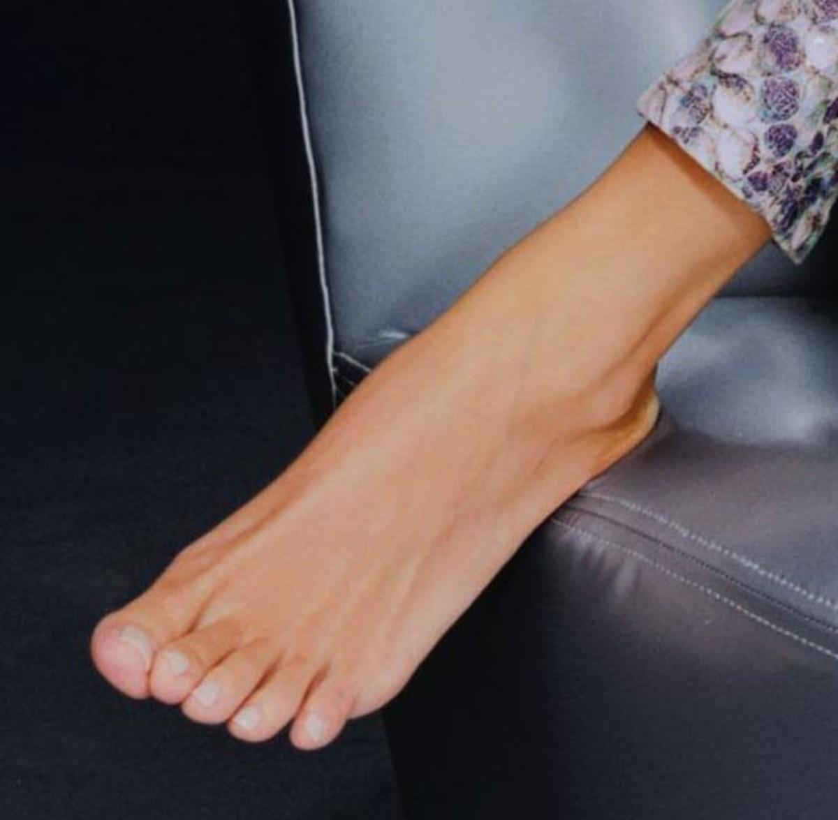 Celebrity Foot #9