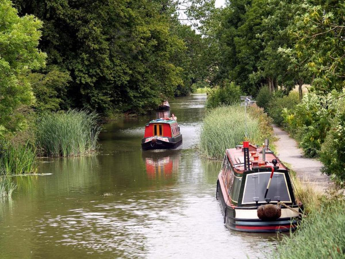 Hiring a comfortable barge for a week and cruising the extensive UK canal network is a great way to see this Sceptered Isle and chill out at the same time!