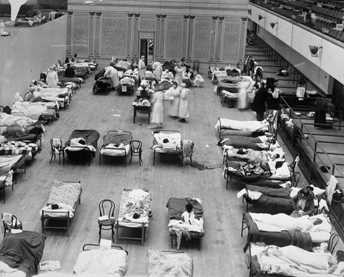 A make-shift flu hospital in Oakland Municipal Auditorium, America
