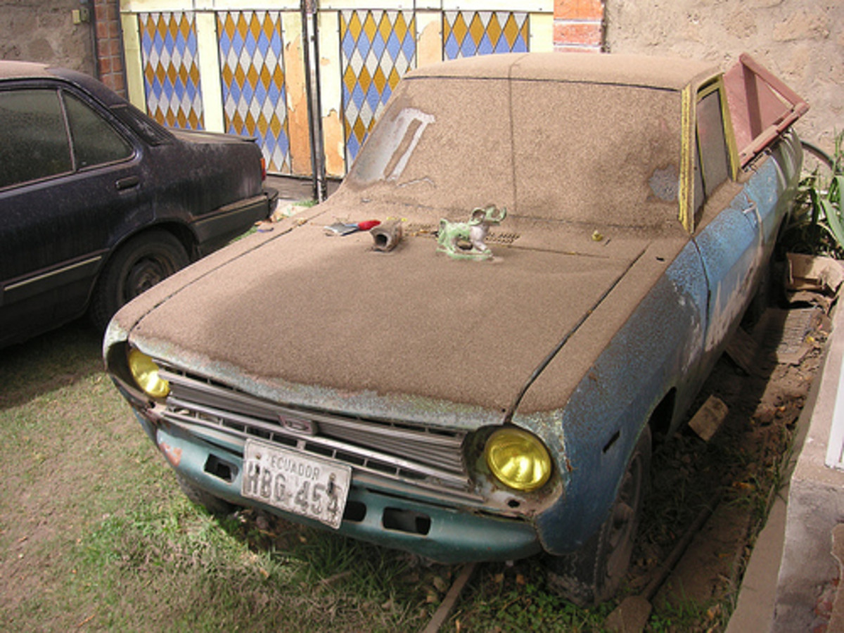 A car coated in fallen ash from the Tungurahua volcano in Ecuador on August 16, 2006.  Photo used under Creative Commons Attribution License