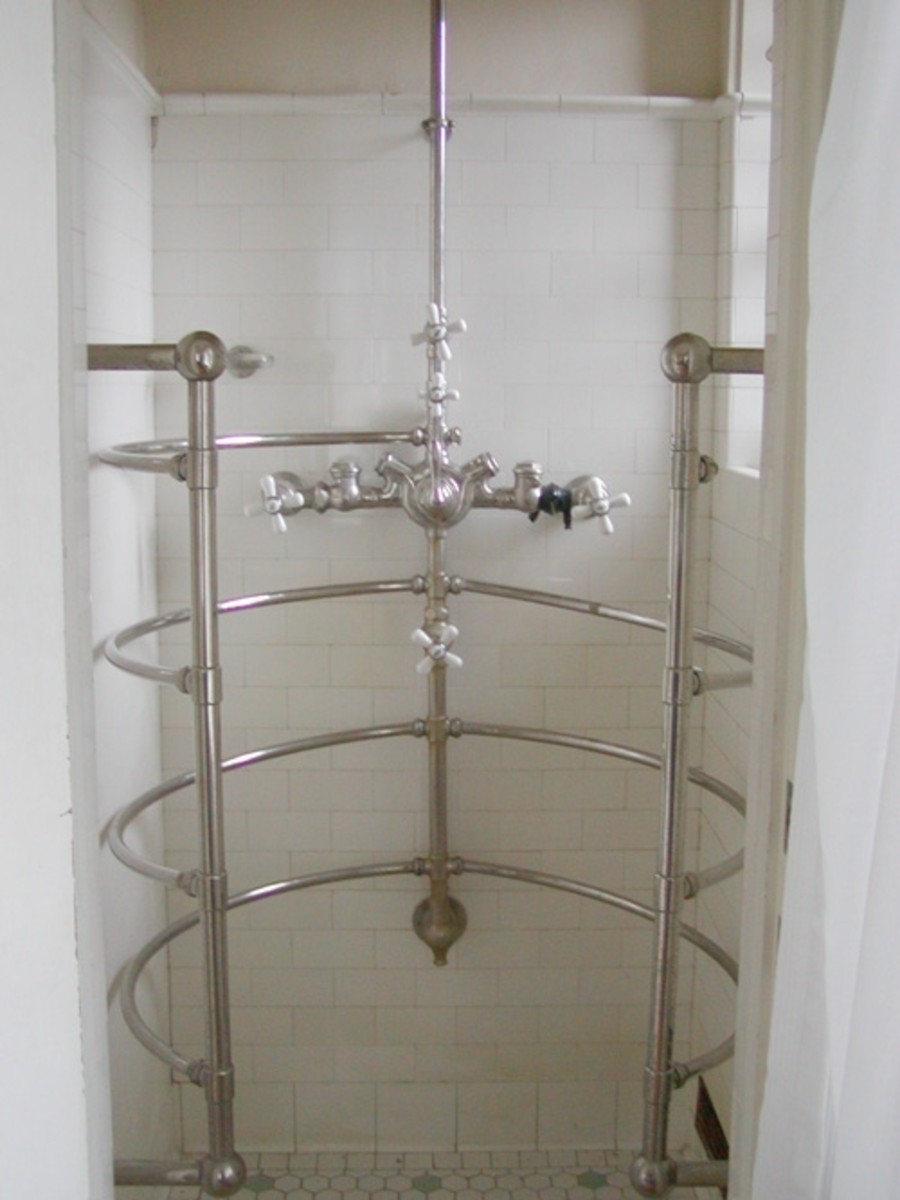 Luxurious multi-jet shower.