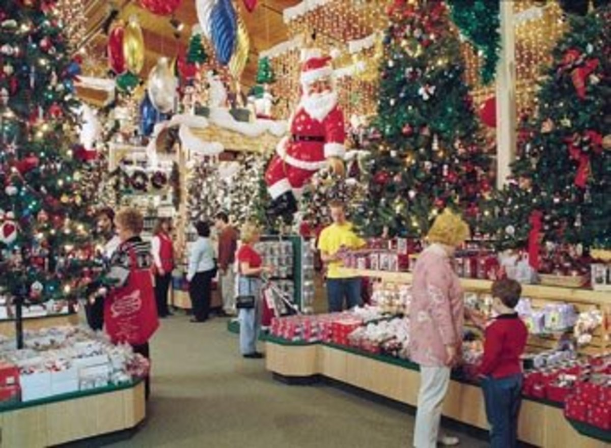 World's largest Christmas store - Bronner's Christmas wonderland