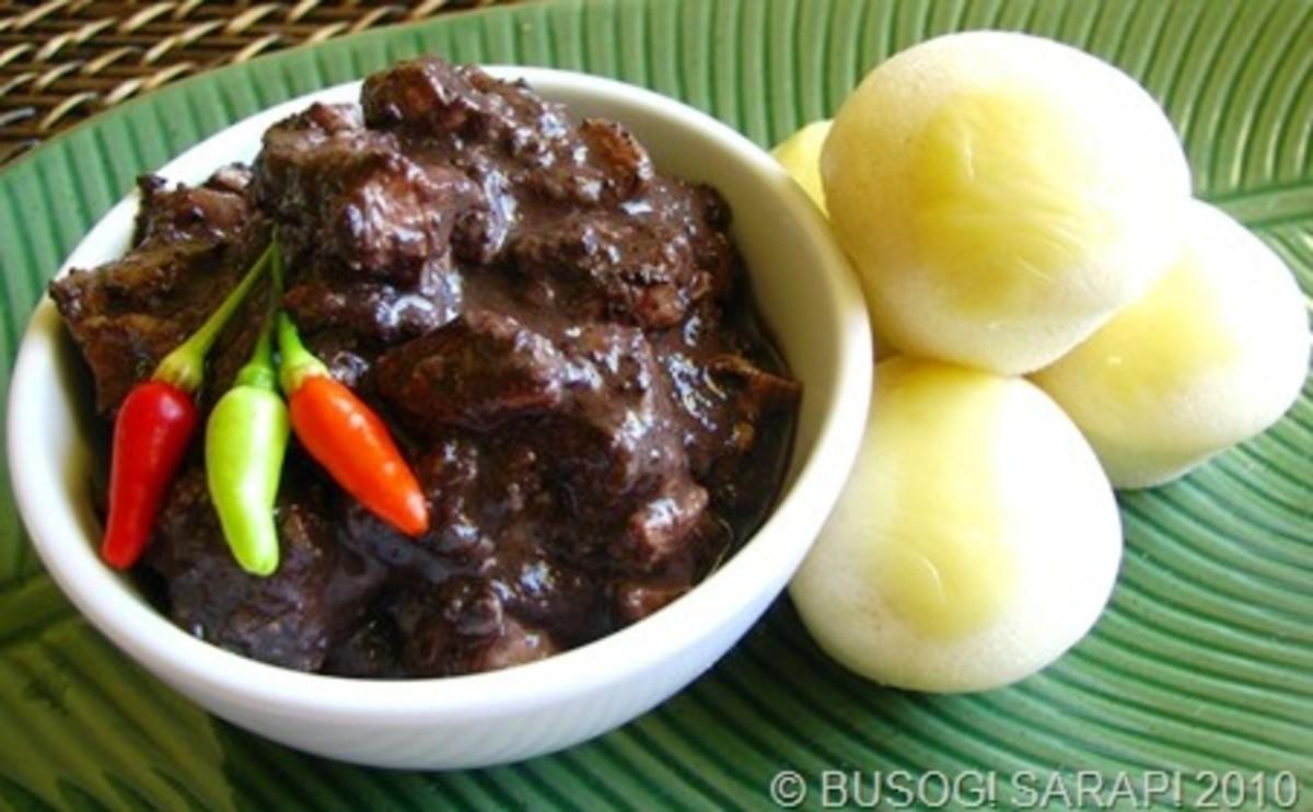 Dinuguan with Rice Cakes