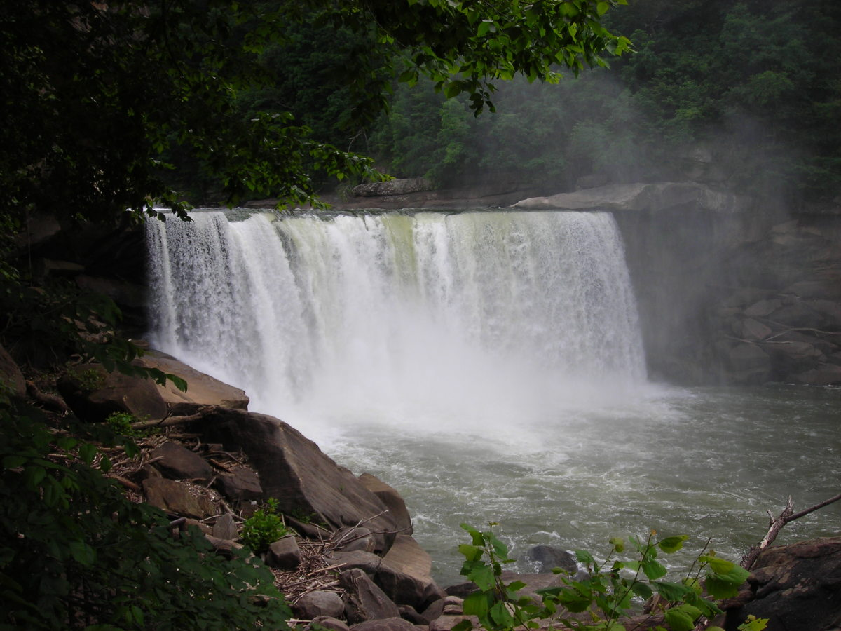 gorgeous Cumberland falls, Kentucky