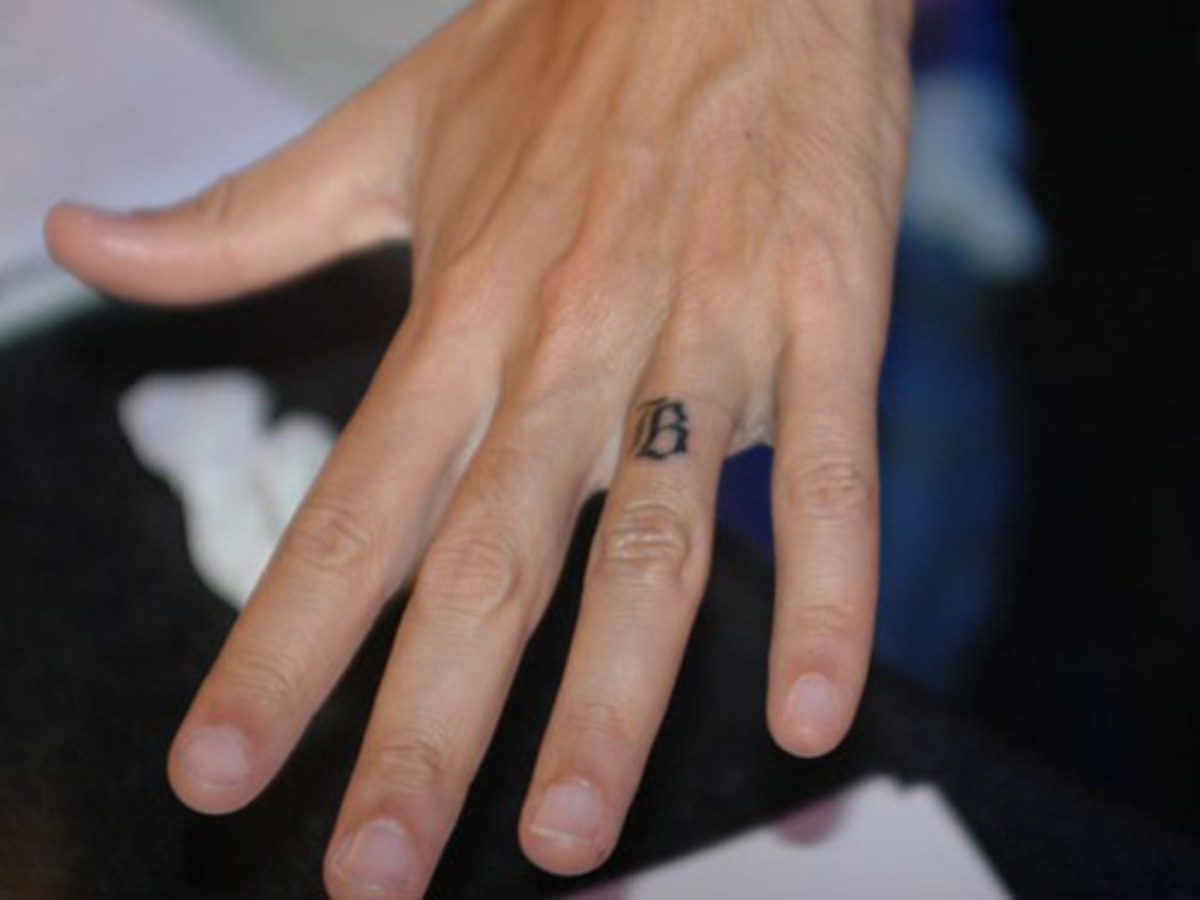 Howard Stern's B Wedding Ring Tattoo