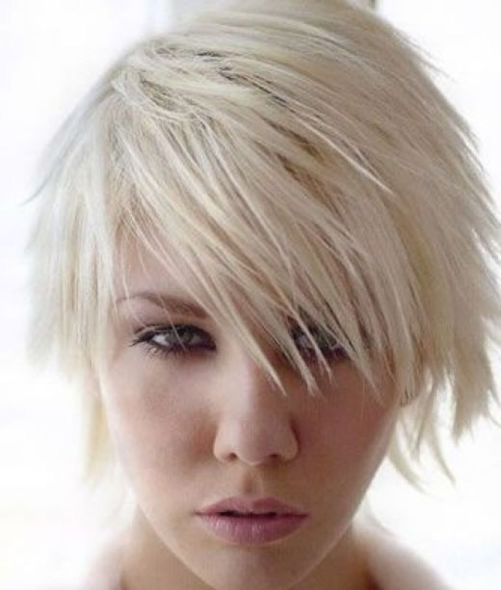 A popular short layered hairstyle these days is where the hair is longer at