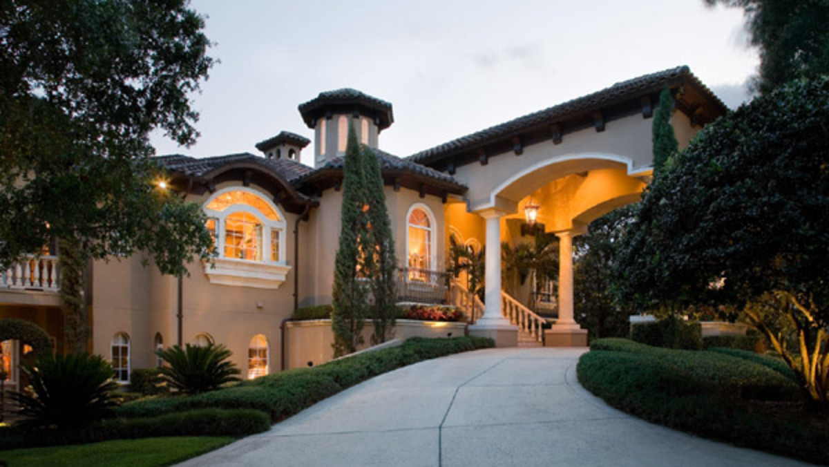 Porte Cochere at luxury home in Florida